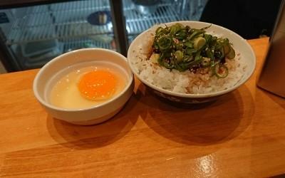チャーハン用のご飯と卵