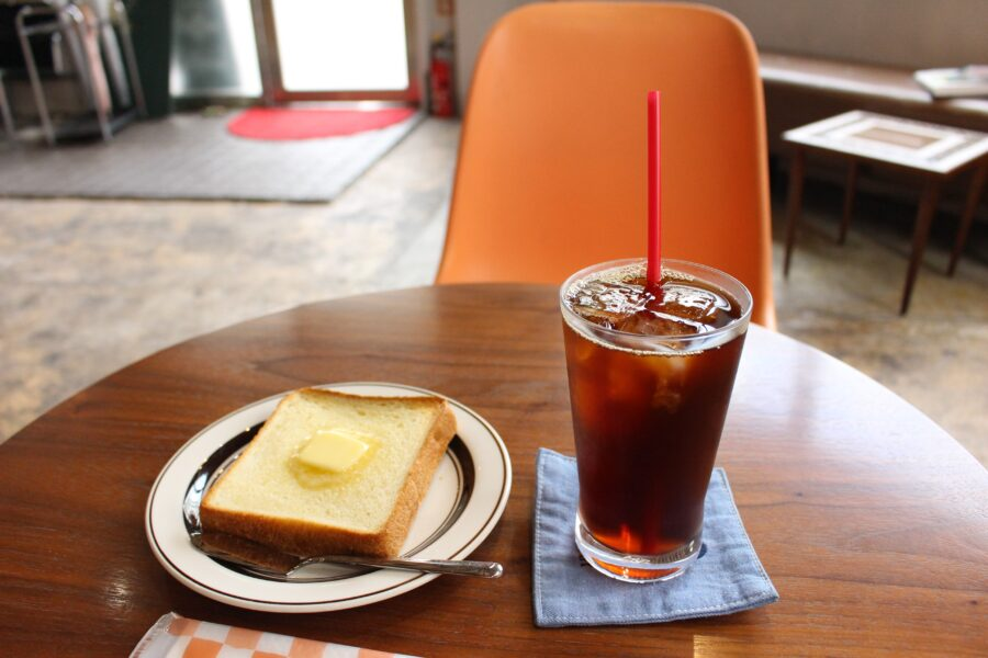 コーヒーとトースト
